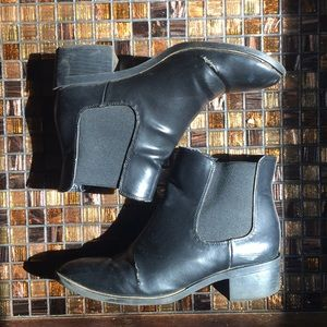 Sam and Libby Black Chelsea Boots